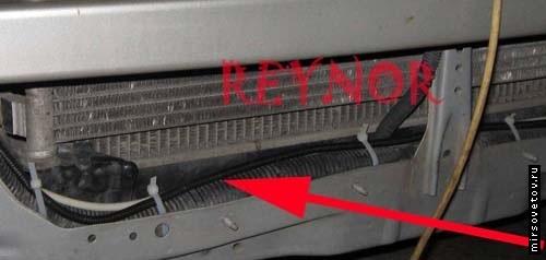 Провода должны быть зажгутованы и укреплены стяжками, изолентой
